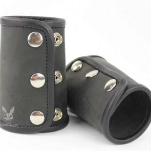 Black Leather Gauntlets With Piping Edges (Pair)
