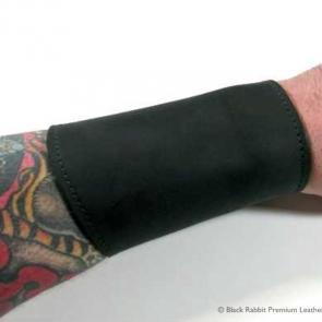 Black Leather Gauntlet